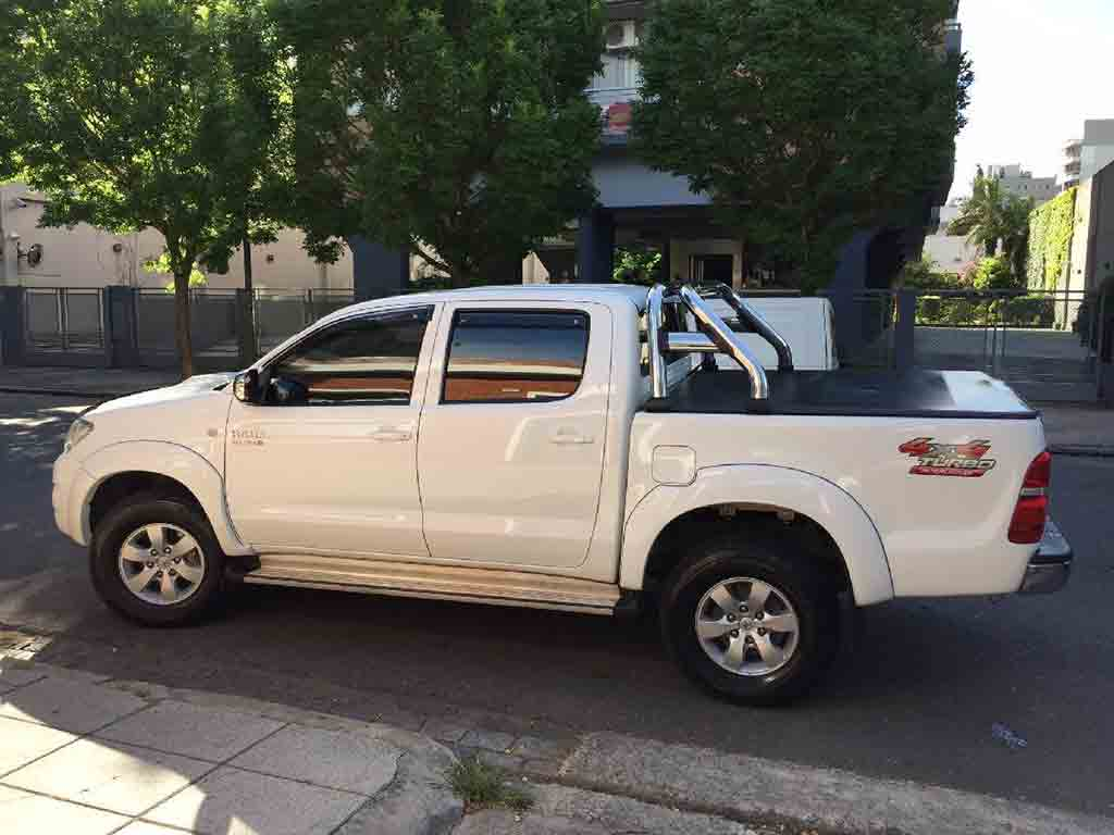 toyota hilux srv 4x4 cuero 2012 la boca capital federal. Black Bedroom Furniture Sets. Home Design Ideas