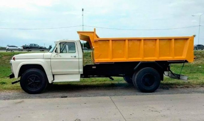 Ford F700 - 1976 (0)