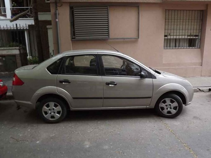 Ford Fiesta Max 1.6 Ambiente Plus - 2007 (0)