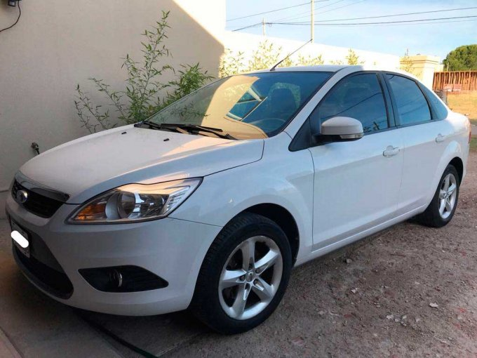 Ford Focus Trend EXE Plus 2,0L - 2010 (4)